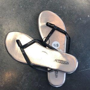 Seychelles black thin flip flop sandal 6 1/2 NWT